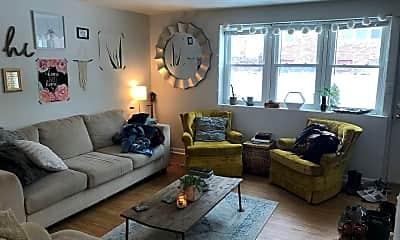 Living Room, 4355 Davenport St, 1