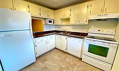 Kitchen, 1055 Country Club Dr 403, 0