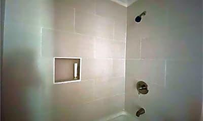 Bathroom, 1411 W Walnut Ave, 2