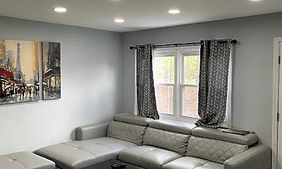 Living Room, 1149 Summit St NE, 1