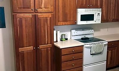 Kitchen, 166 W 200 N, 2