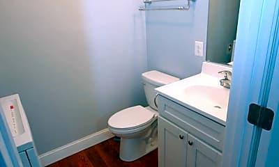 Bathroom, 114 S Parke St, 2