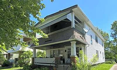 Building, 2179 Chesterland Ave, 1