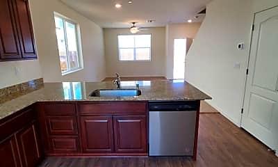 Kitchen, 5540 Remington Way, 1