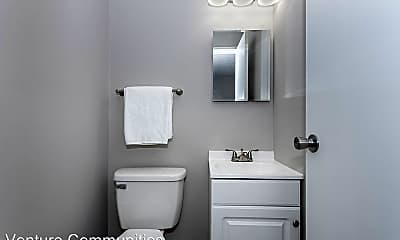 Bathroom, 3208 Midway Ave, 2