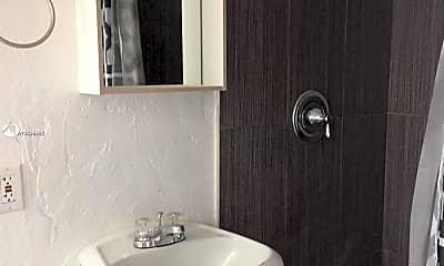 Bathroom, 1536 Polk St 4, 1