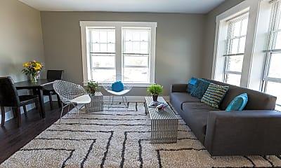 Living Room, 711 West St, 1