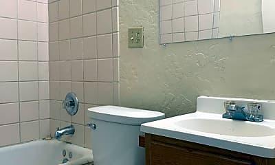 Bathroom, 1326 W 15th St, 2