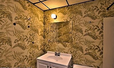 Bathroom, 401 S Valley Ave, 2