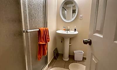 Bathroom, 329 N Greenbrier St, 2