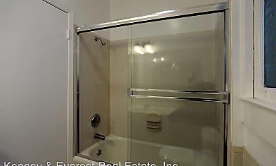 Bathroom, 3164 22nd St, 2