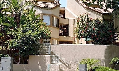 Paramount Terrace Apartments, 2