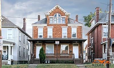 Building, 172 E 11th Ave, 2