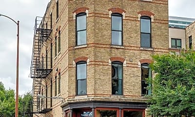 Building, 641 W Grand Ave, 0