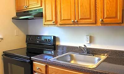 Kitchen, Marshall Woods Apartments, 1