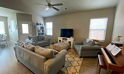 Living Room, 2917 Magnolia Ave, 1