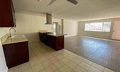 Living Room, 2320 Vanderbilt Ln, 1