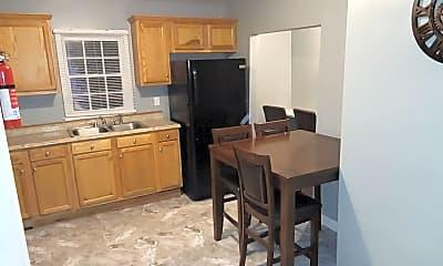 Kitchen, Room for Rent - Live in Hunter Hills, 1