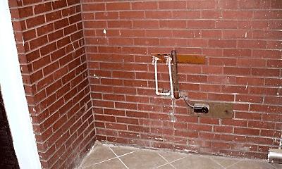 Bathroom, 113 Vine St, 2