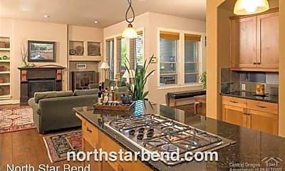 Kitchen, 19693 Harvard Pl, 1