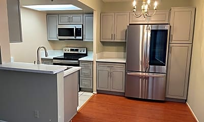 Kitchen, 5332 Russell Ave, 0