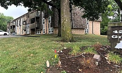 4220 Grand Apartments, 0