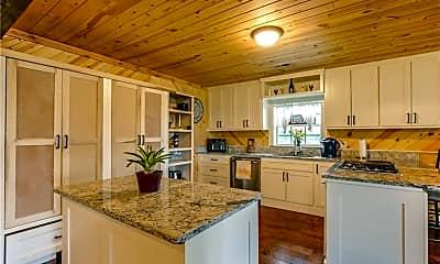 Kitchen, 1011 Shores Ave, 1