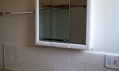 Bathroom, 4641 W Slauson Ave, 2