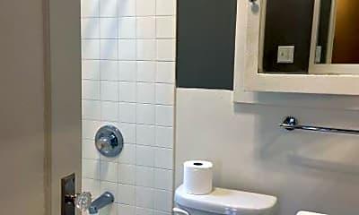 Bathroom, 516 Fell St, 2