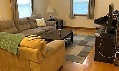 Living Room, 17 Lyons Ct, 2