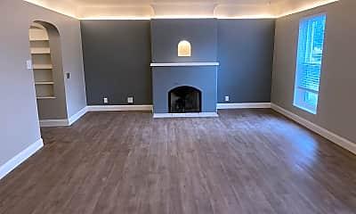 Living Room, 401 10th St SW, 1