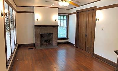 Living Room, 251 E Lane Ave, 1