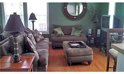 Living Room, 121 N Golfview Rd, 0
