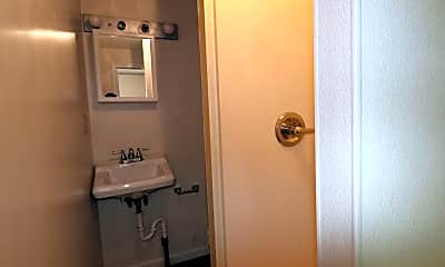 Bathroom, 305 Lyndhurst St, 1