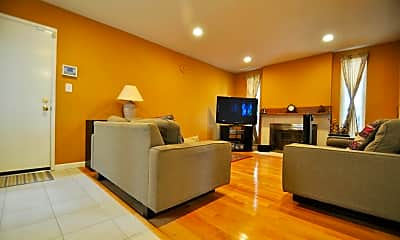 Living Room, 1060 Hyde Ave, 1