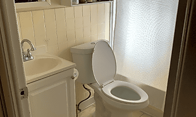 Bathroom, 15010 Madison Ave, 2