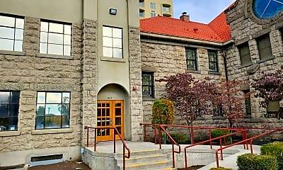 Building, 515 E Yakima Ave, 1