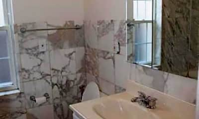 Bathroom, 2739 N Avers Ave, 1