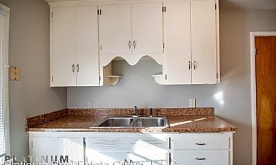 Kitchen, 4730 Cass St, 1