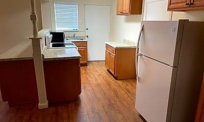 Kitchen, 2705 Comstock Dr, 1