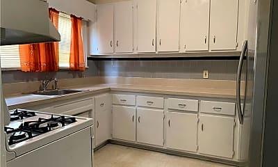 Kitchen, 420 Warwick Ave, 1