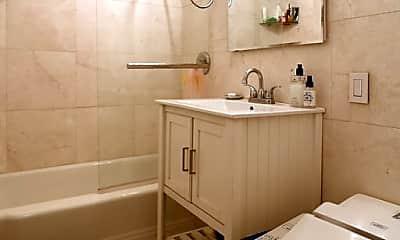Bathroom, 430 W 34th St, 2