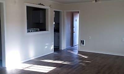 Living Room, 5307 Clover Ln, 0