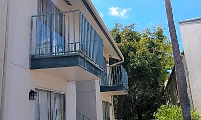 Conquistador East Apartments, 2