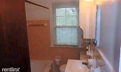 Bathroom, 455 W Breckenridge St, 2