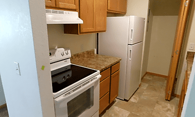 Kitchen, 625 S River Rd, 1