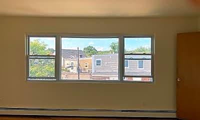 Living Room, 8 41st St 4, 1