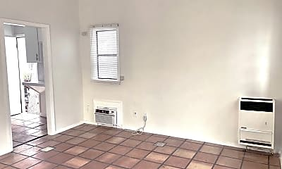 Living Room, 979 S Ardmore Ave, 1