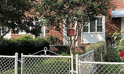 Building, 1215 Gibbon St, 2