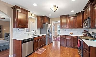 Kitchen, 1121 Chinook Circle, 0